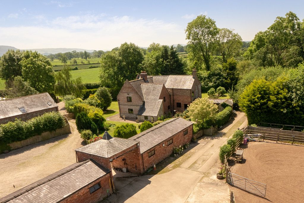 6 bed  for sale in Maesbrook, Oswestry  - Property Image 2
