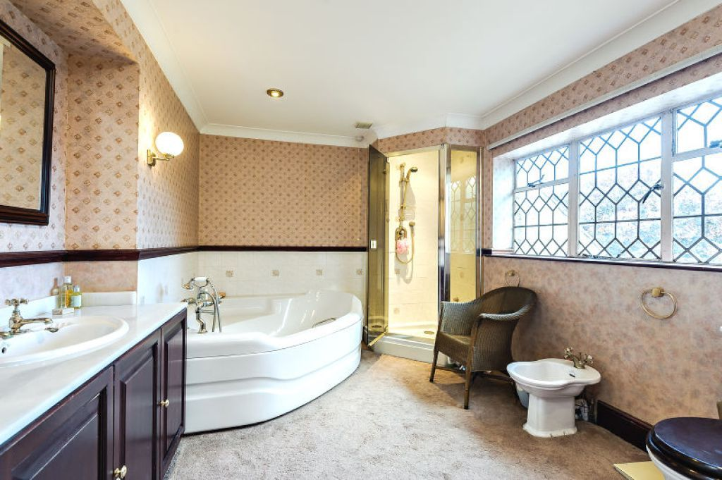 7 bed  for sale  - Property Image 11