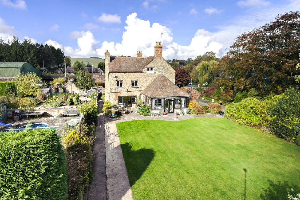 7 bed  for sale 5