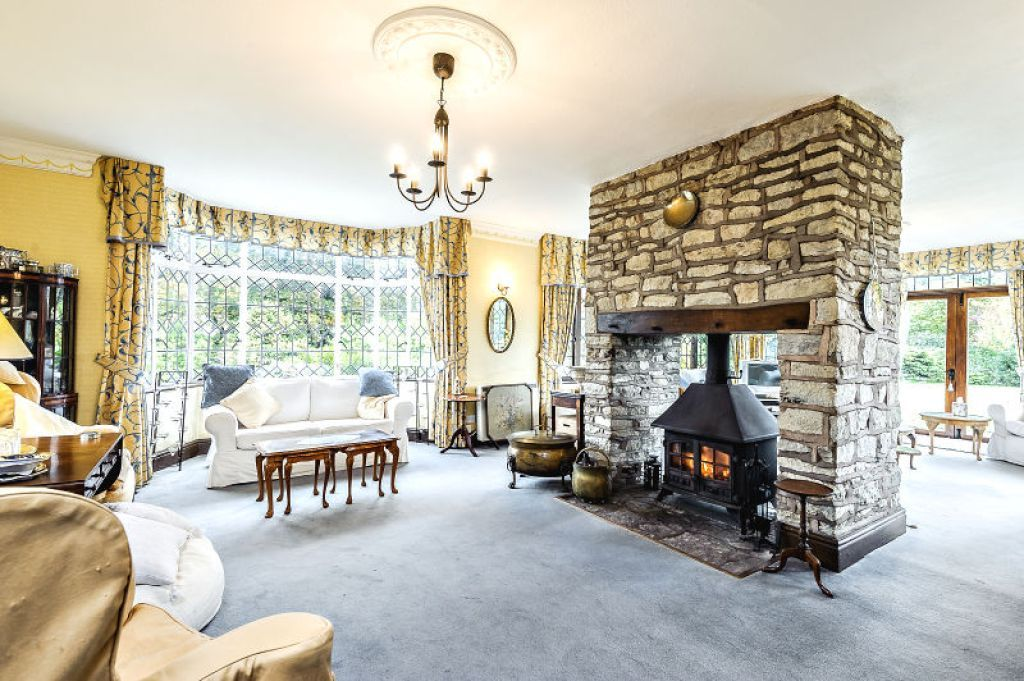 7 bed  for sale 8