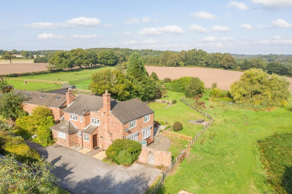 4 bed  for sale in Whitegate, Cheshire 1