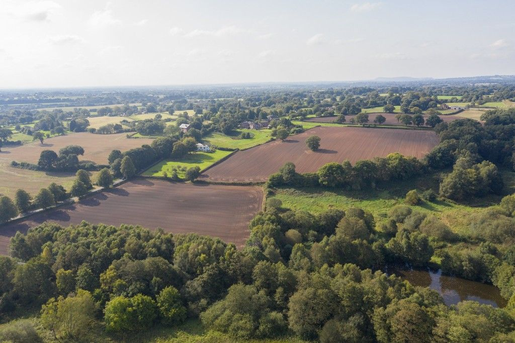 4 bed  for sale in Whitegate, Cheshire  - Property Image 2