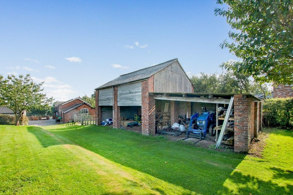 4 bed  for sale in Whitegate, Cheshire 13