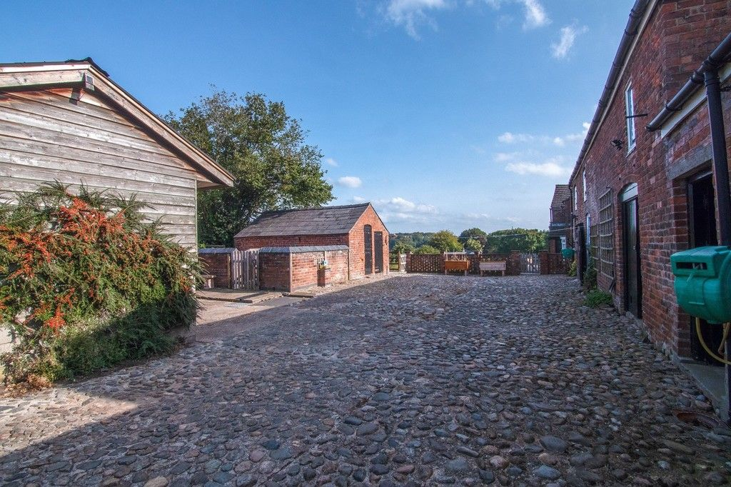 4 bed  for sale in Whitegate, Cheshire 15