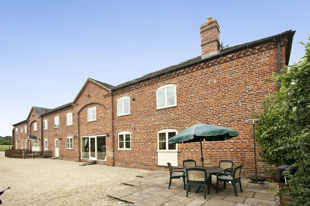 5 bed  to rent in Market Drayton, Shropshire, TF9