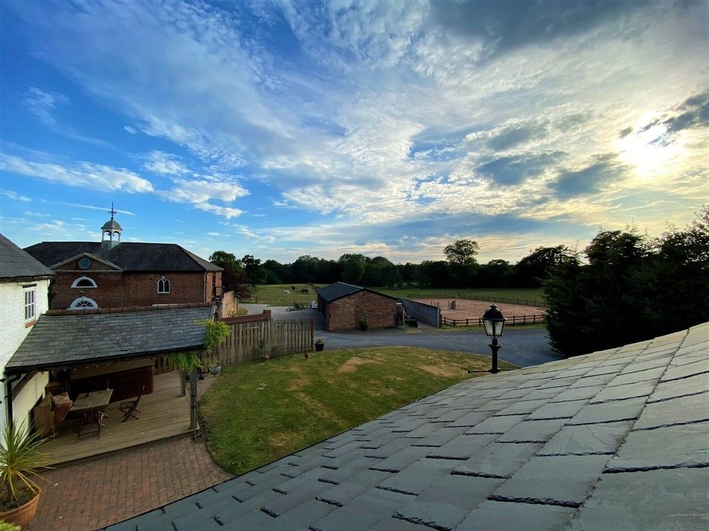 4 bed  for sale in Edge, Malpas  - Property Image 2