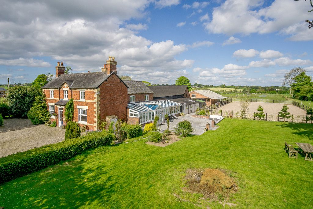 5 bed house for sale in Rhosygadfa, Oswestry  - Property Image 3