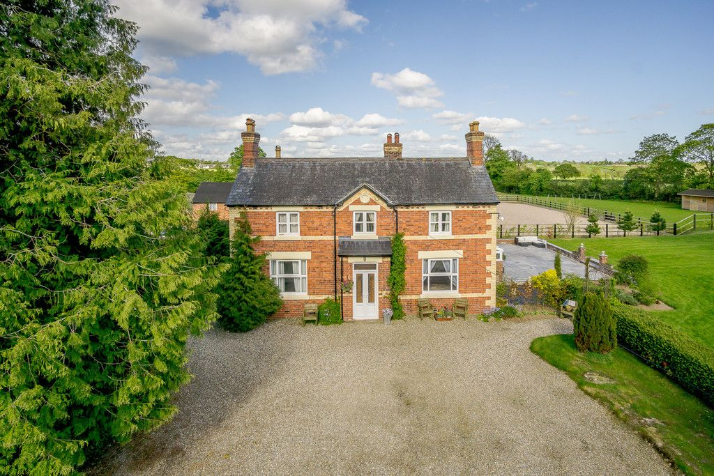 5 bed house for sale in Rhosygadfa, Oswestry  - Property Image 4