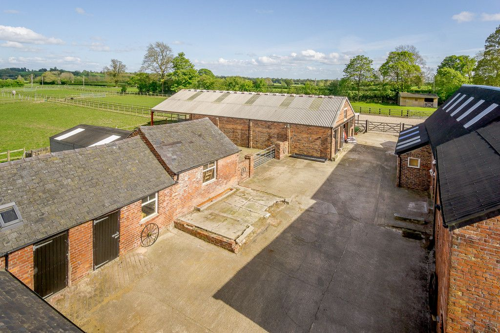 5 bed house for sale in Rhosygadfa, Oswestry 5