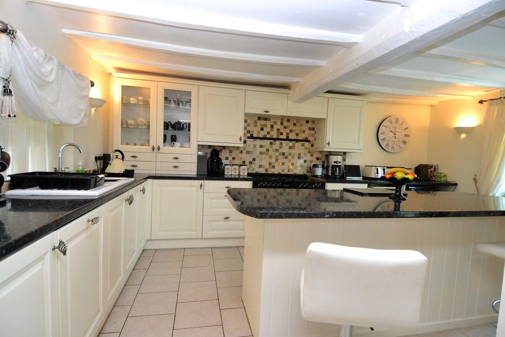 5 bed house for sale in Rhosygadfa, Oswestry 10