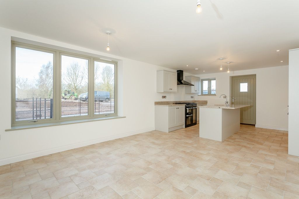 3 bed house for sale 2