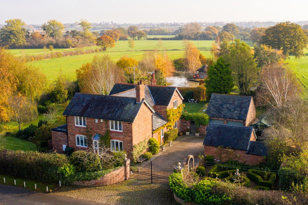 4 bed house for sale in Audlem, Cheshire, CW3