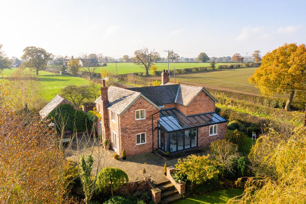 4 bed house for sale in Audlem, Cheshire  - Property Image 2
