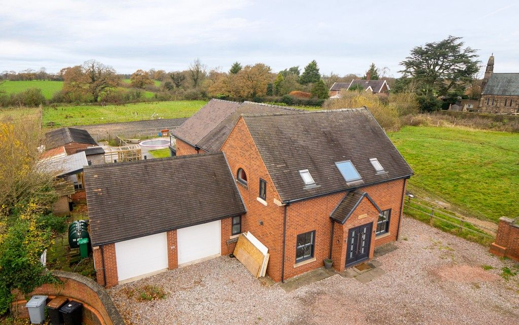 5 bed house for sale in Middlewich Road, Cheshire  - Property Image 2