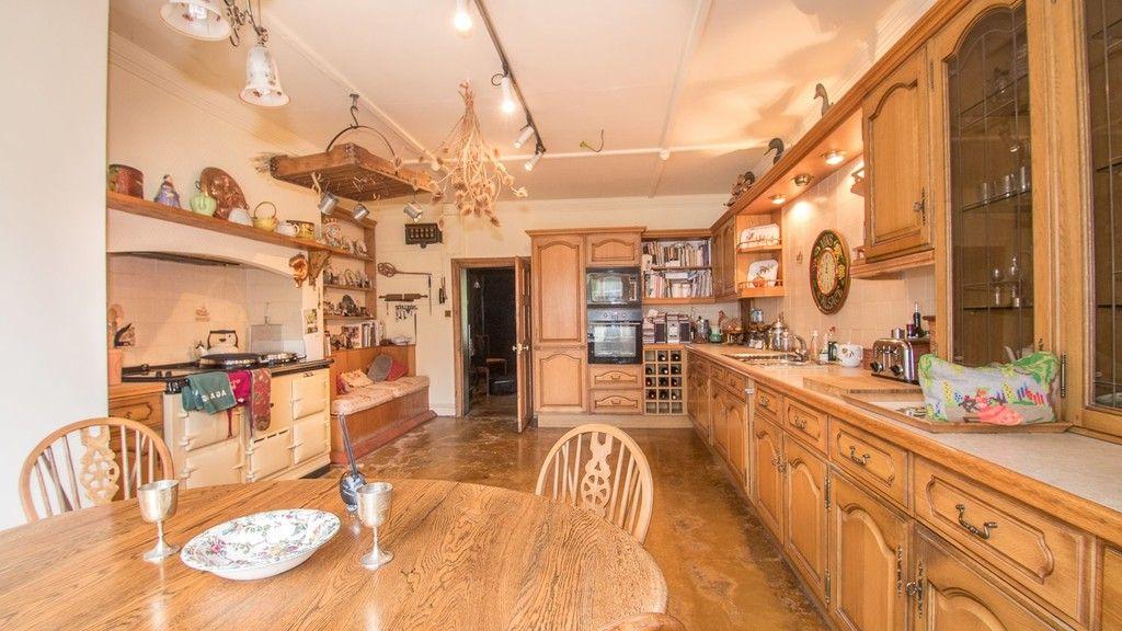 10 bed house for sale in Llanfair Dyffryn Clwyd, Ruthin, Denbighshire 3