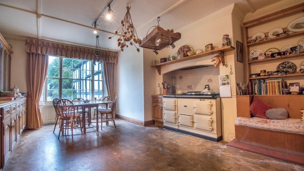 10 bed house for sale in Llanfair Dyffryn Clwyd, Ruthin, Denbighshire  - Property Image 4