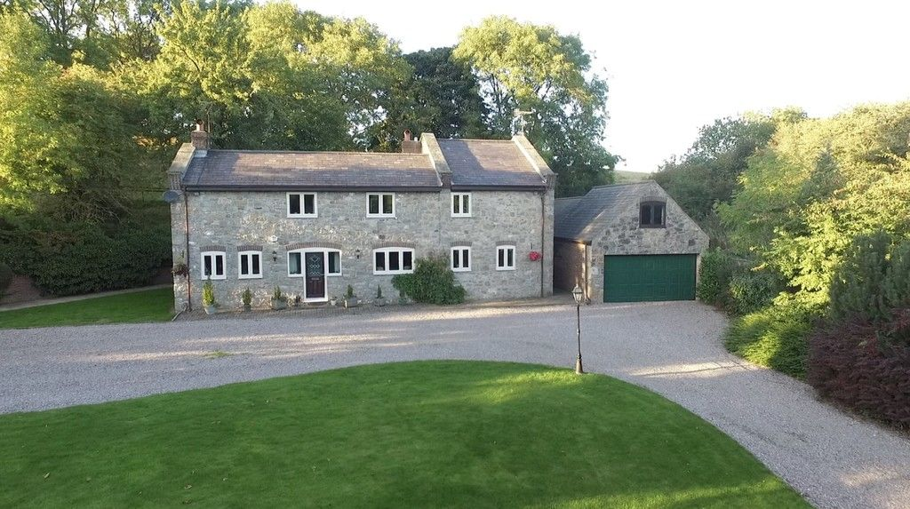 5 bed  for sale in Rhuallt, St. Asaph  - Property Image 2