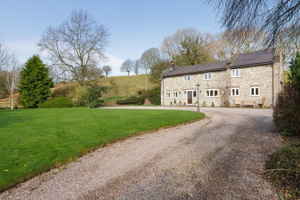 5 bed  for sale in Rhuallt, St. Asaph  - Property Image 6
