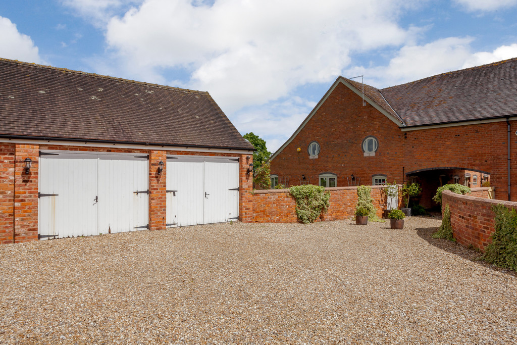 5 bed house for sale in Woodhey Lane, Faddiley  - Property Image 2