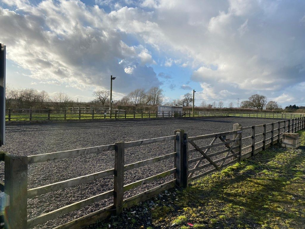 to rent in Coppenhall Stables, 119 A Warmingham Road  - Property Image 2