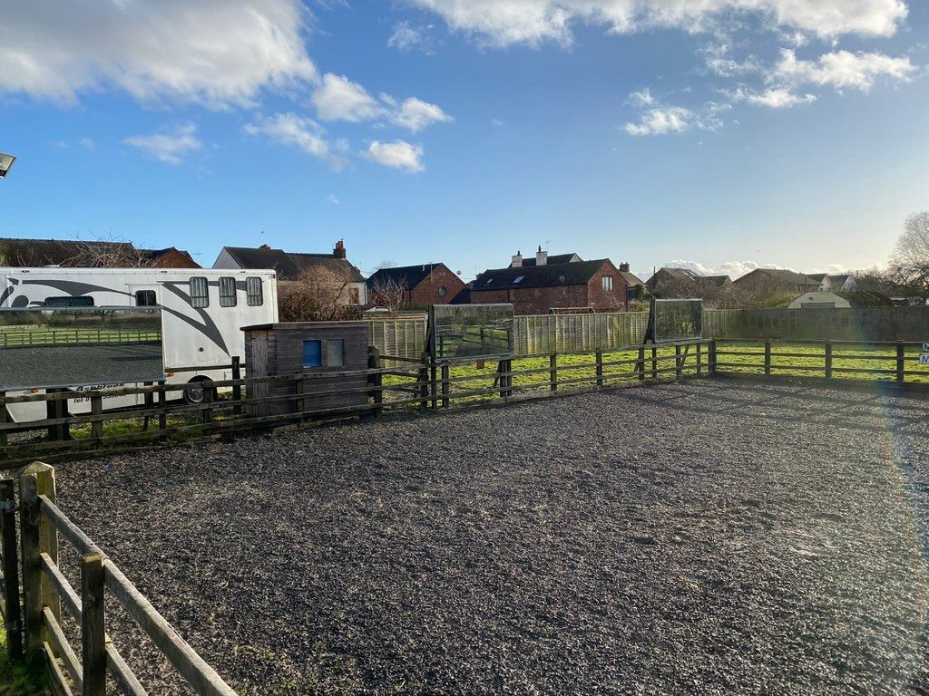 to rent in Coppenhall Stables, 119 A Warmingham Road 8