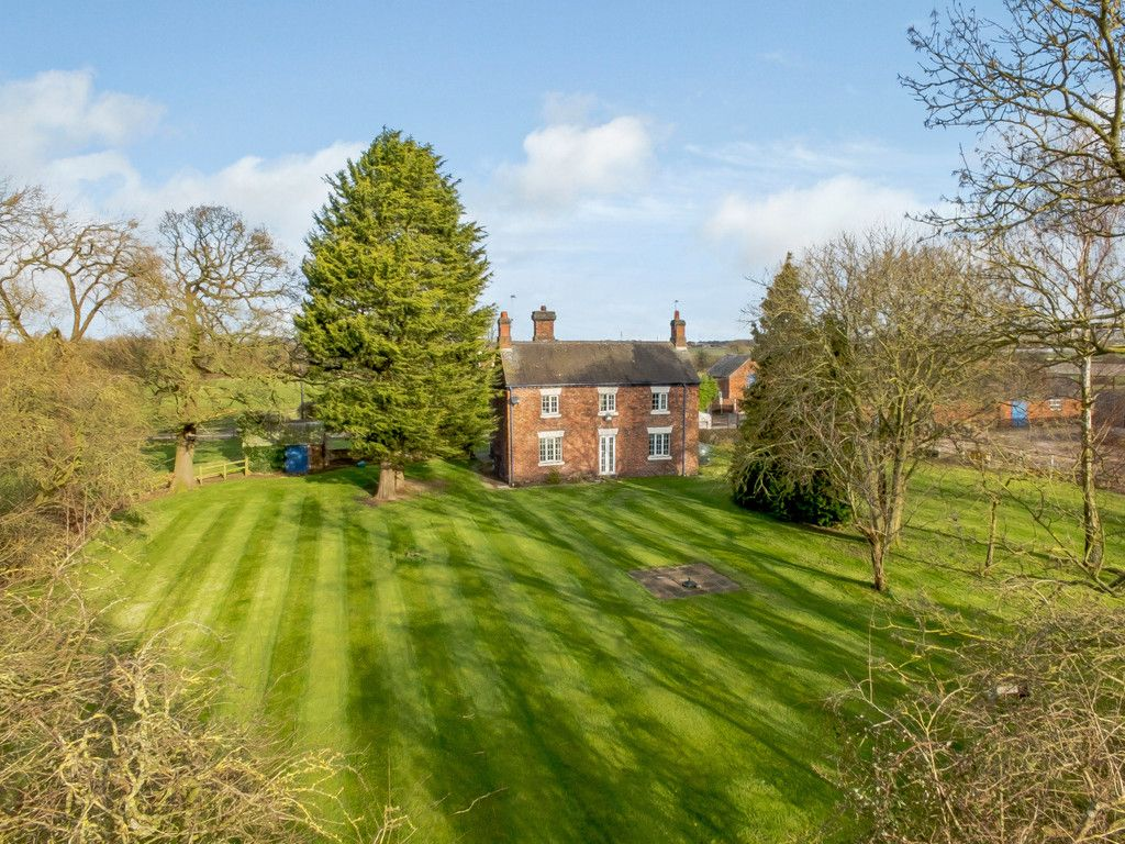 4 bed house for sale in Holme Farm, Mickle Trafford  - Property Image 1
