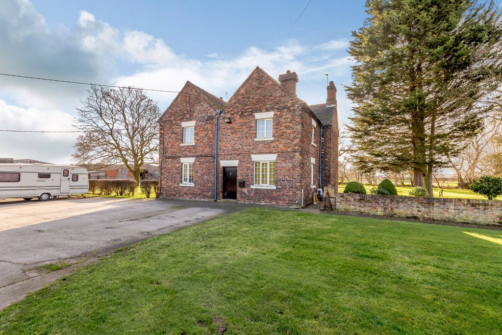 4 bed house for sale in Holme Farm, Mickle Trafford   - Property Image 11