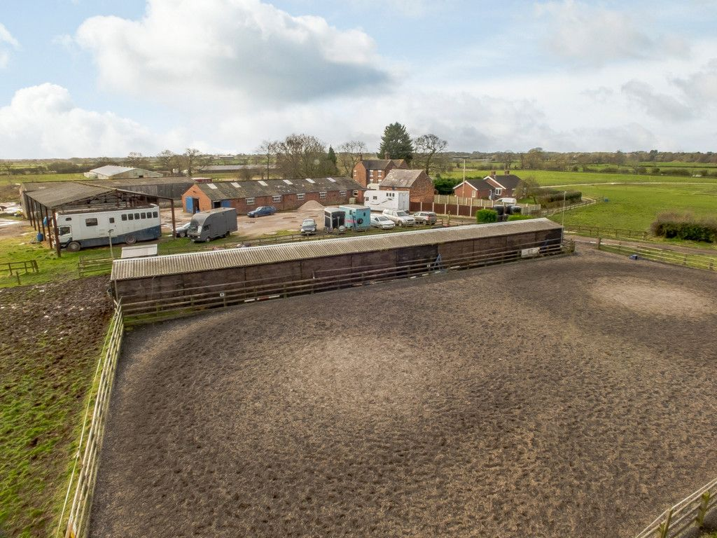 4 bed house for sale in Holme Farm, Mickle Trafford   - Property Image 14