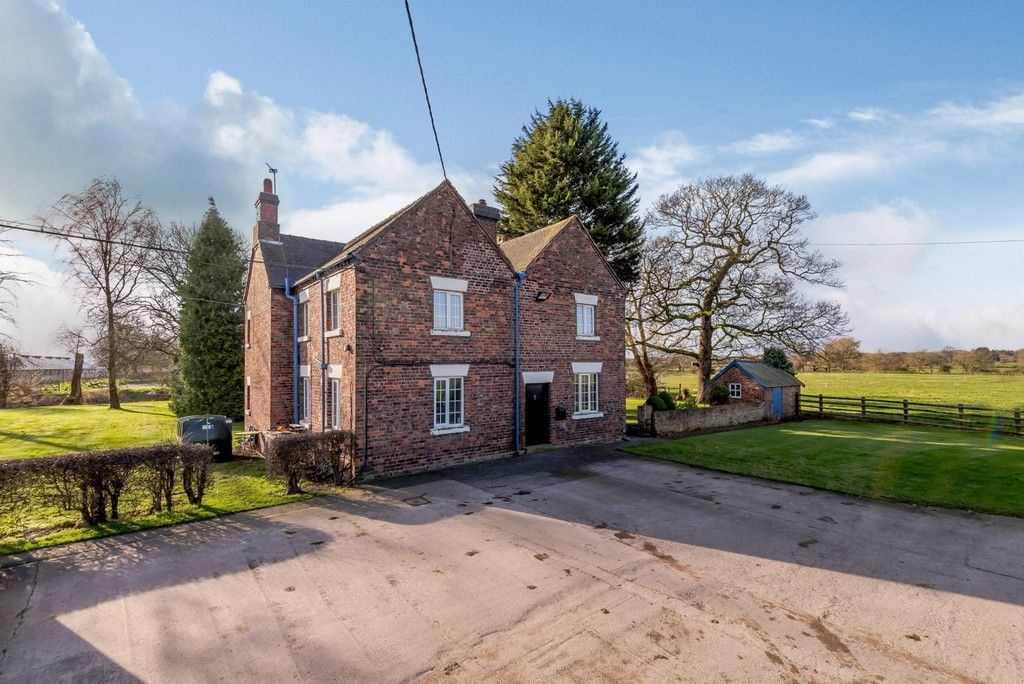 4 bed house for sale in Holme Farm, Mickle Trafford   - Property Image 3