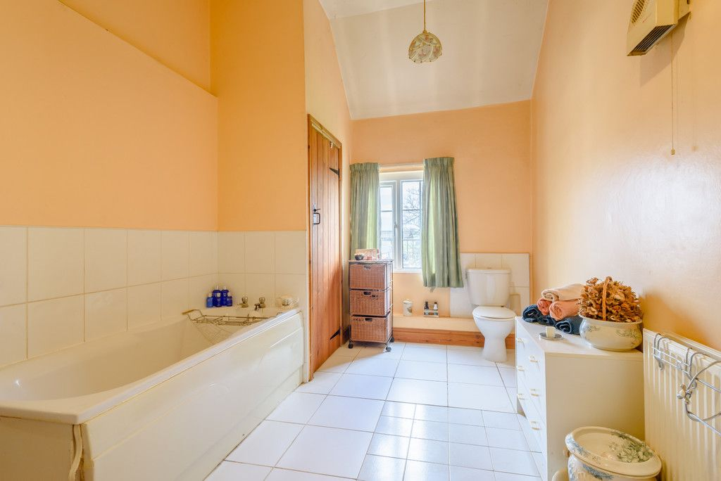 4 bed house for sale in Holme Farm, Mickle Trafford  9