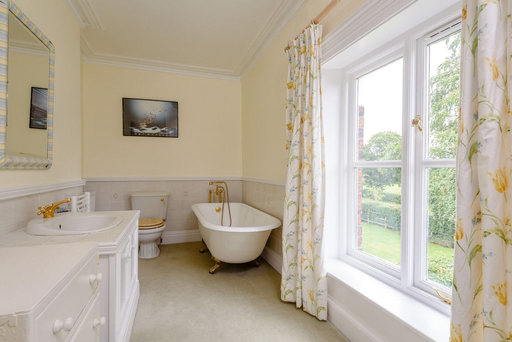 7 bed house for sale in Cogshall Lane, Northwich  - Property Image 22