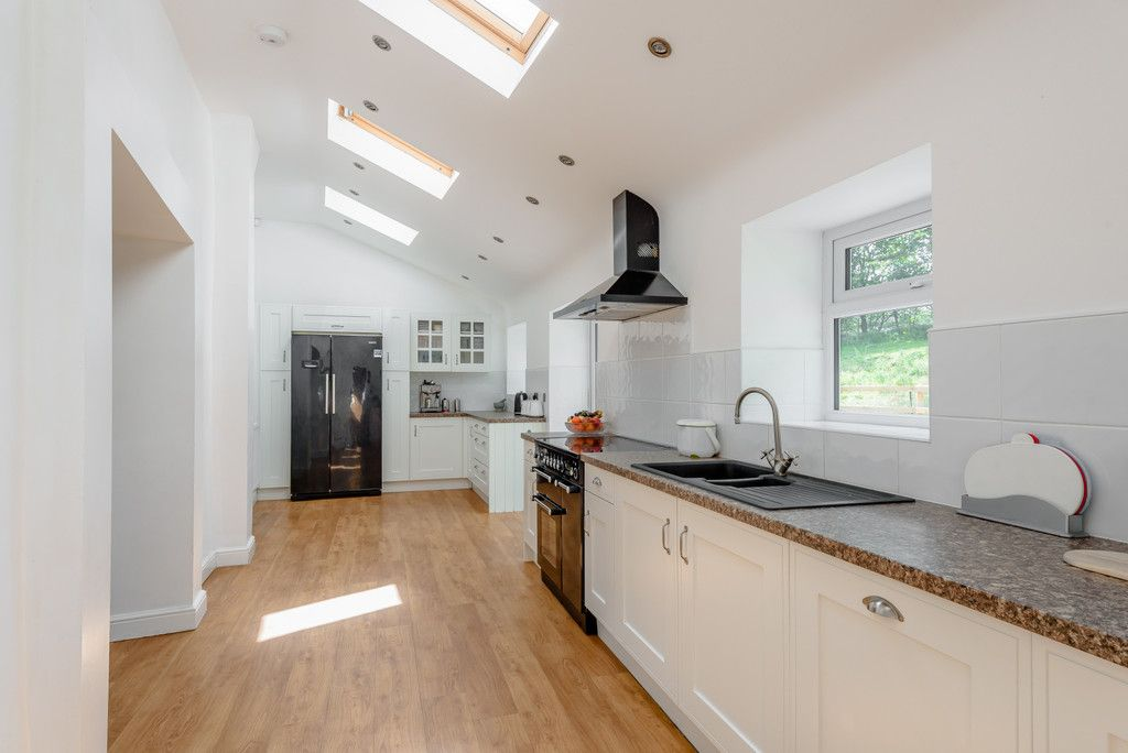 4 bed  for sale in Penycae, Wrexham 3