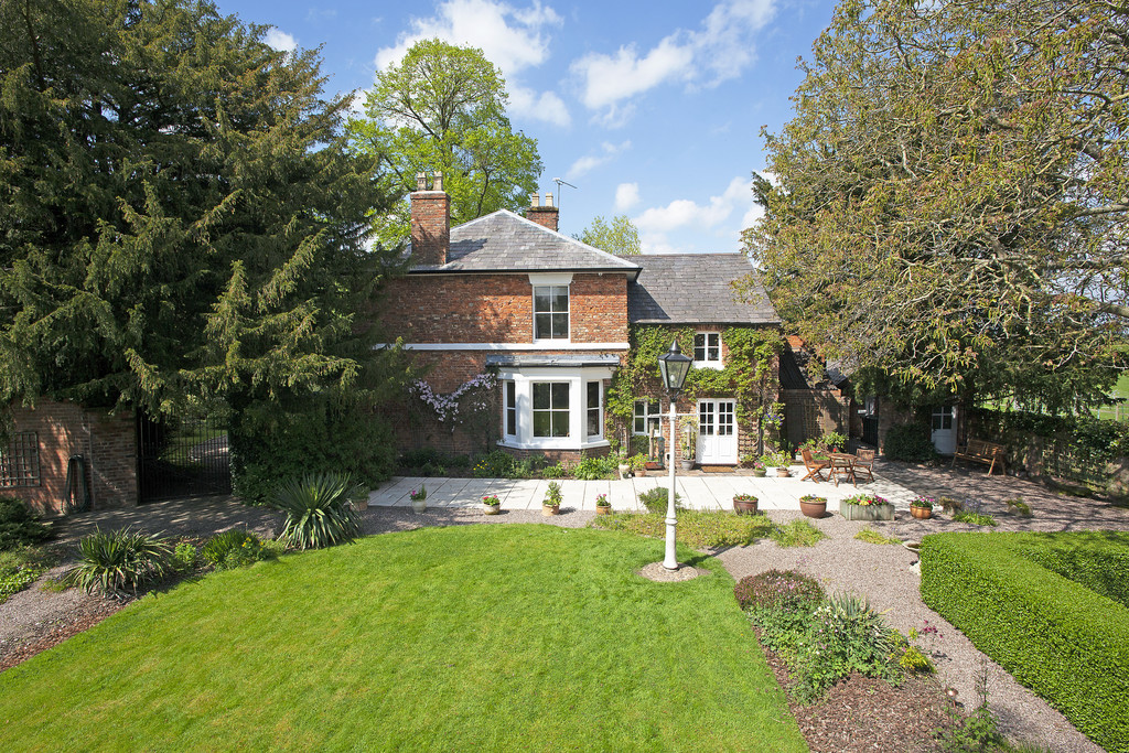 5 bed  for sale in The Firs, Tattenhall, Cheshire, CH3  4
