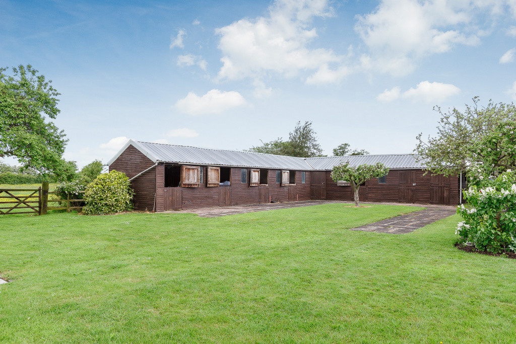 4 bed house for sale in Nantwich, Cheshire  - Property Image 14