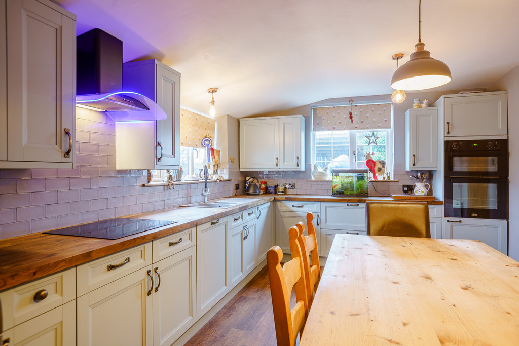 4 bed house for sale in Nantwich, Cheshire  - Property Image 4