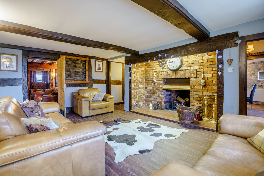 4 bed house for sale in Nantwich, Cheshire  - Property Image 6