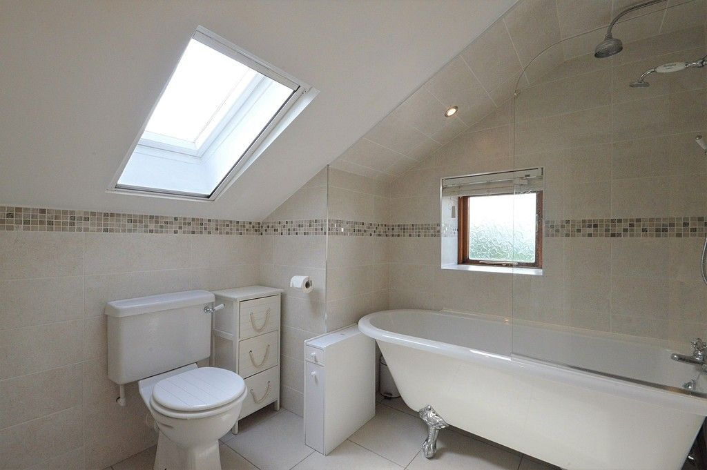 3 bed house for sale in Higher Chisworth, Glossop 11
