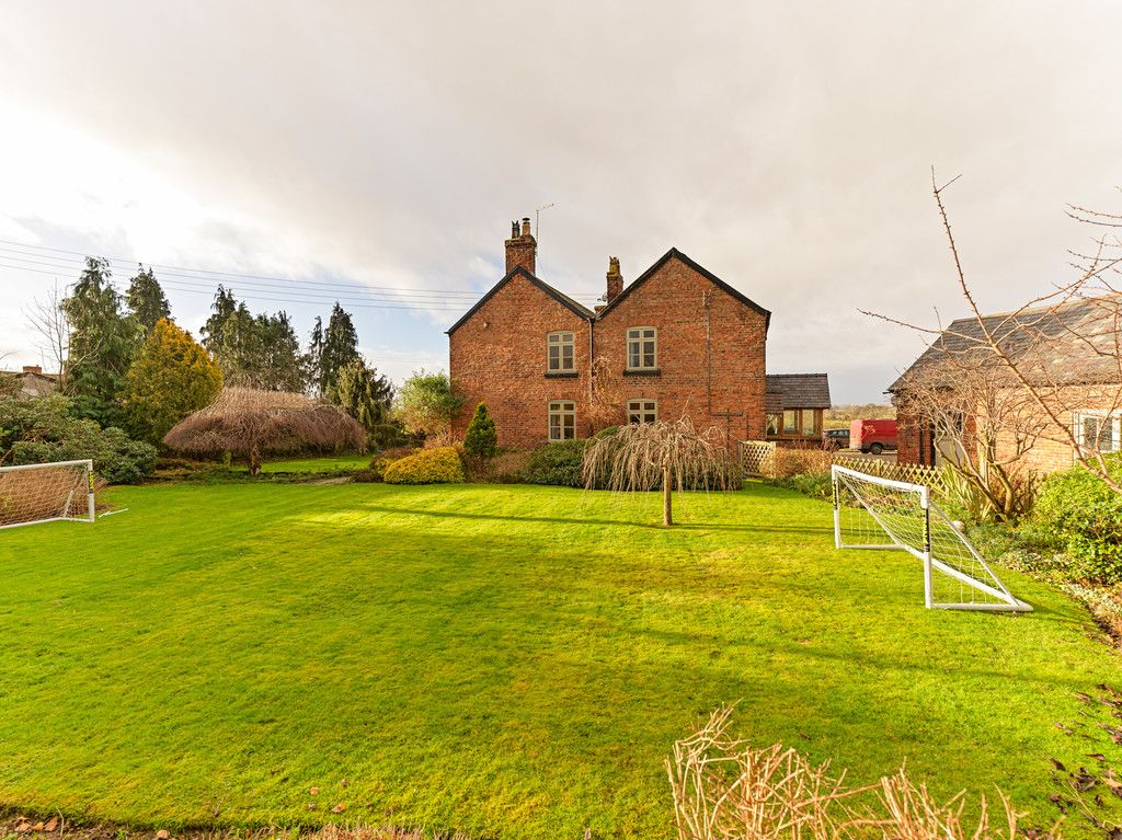10 bed house for sale in Malpas, Cheshire  - Property Image 5