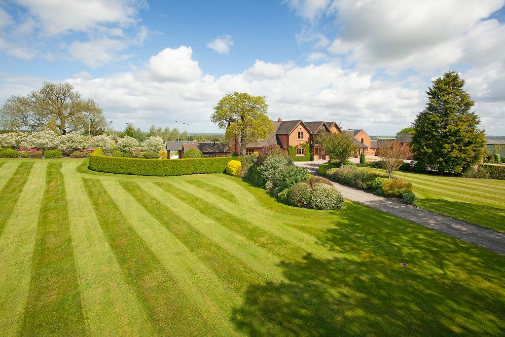 5 bed house for sale  - Property Image 30