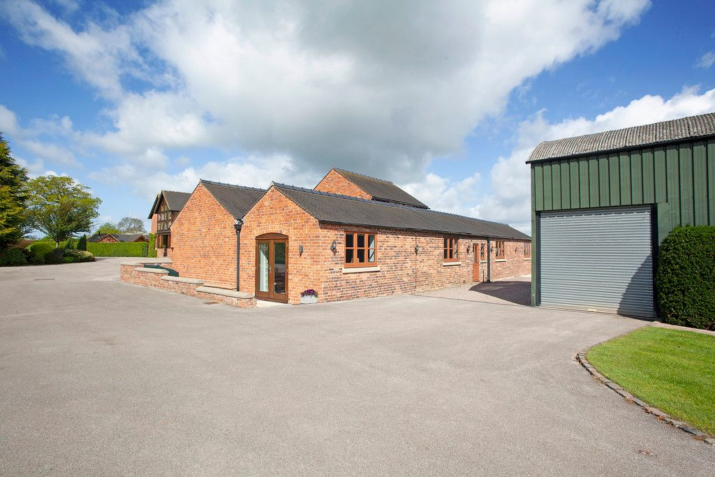 5 bed house for sale  - Property Image 32