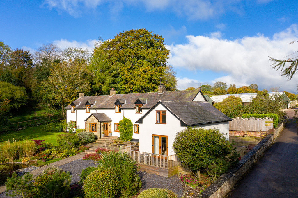 5 bed house for sale in Craigllwyn, Oswestry  - Property Image 2