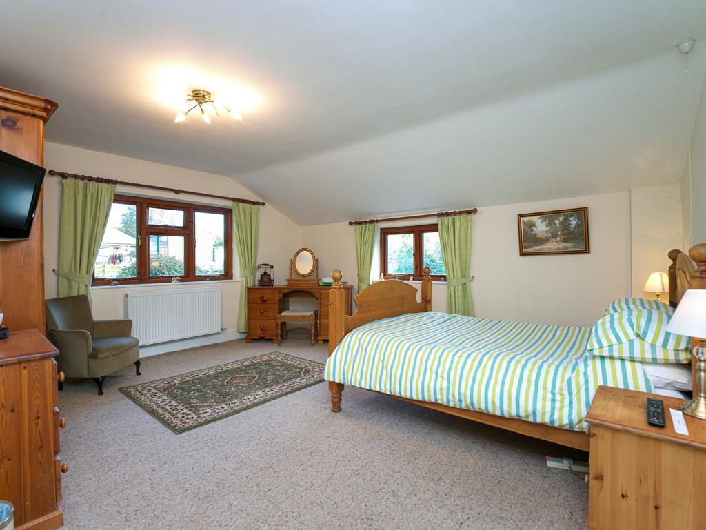 5 bed house for sale in Craigllwyn, Oswestry 11