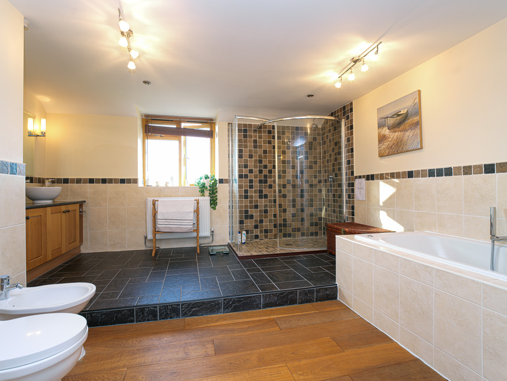 5 bed house for sale in Craigllwyn, Oswestry 12