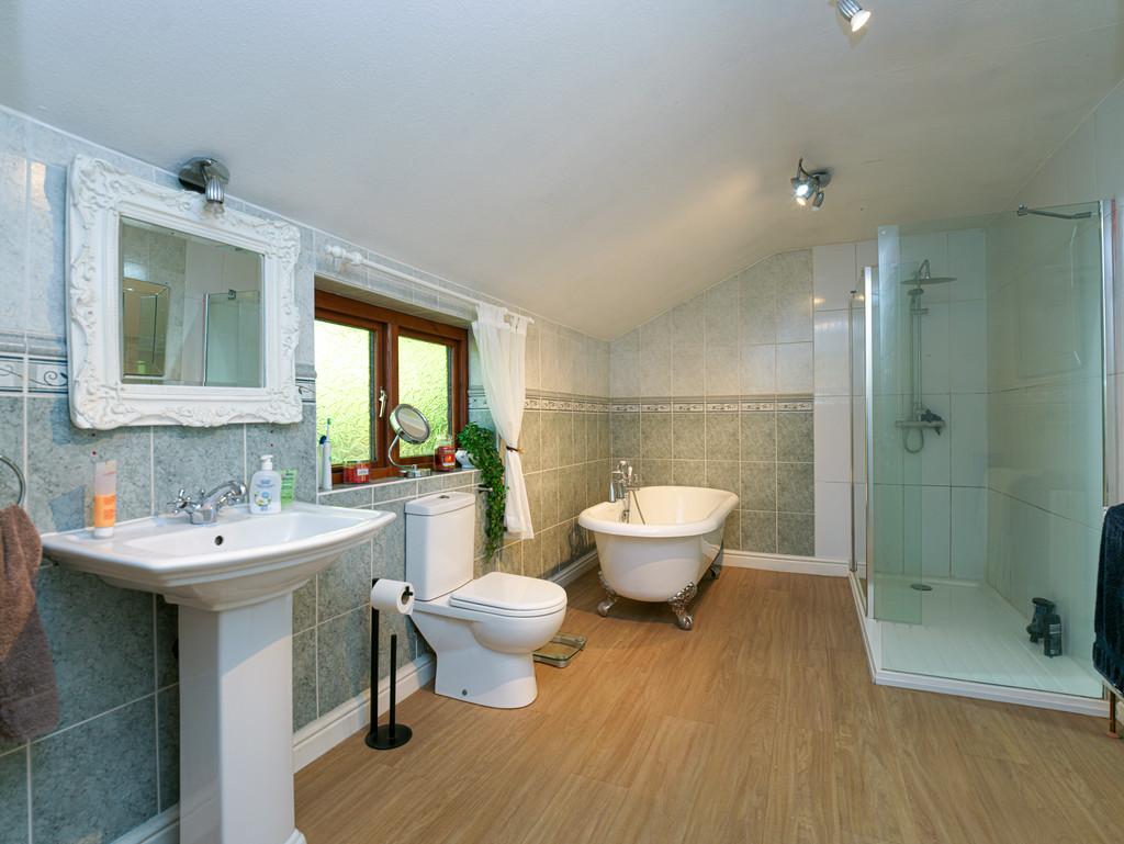 5 bed house for sale in Craigllwyn, Oswestry 13