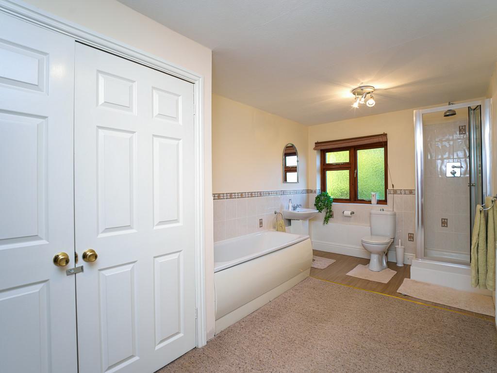 5 bed house for sale in Craigllwyn, Oswestry 14