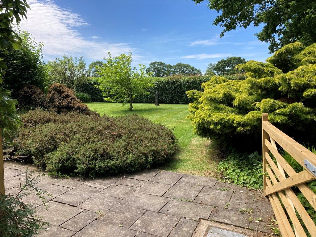 3 bed house for sale in Raby Vale Farm Cottage, Thornton Hough, Wirral, CH63   - Property Image 25