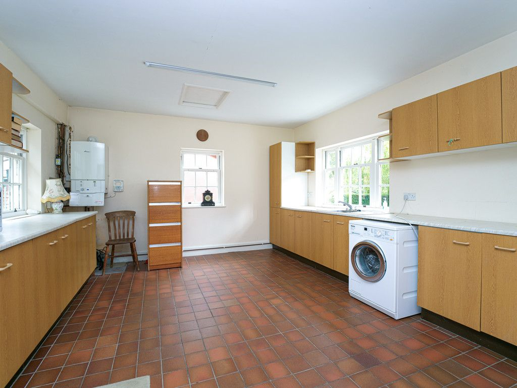 3 bed house for sale in Raby Vale Farm Cottage, Thornton Hough, Wirral, CH63   - Property Image 9