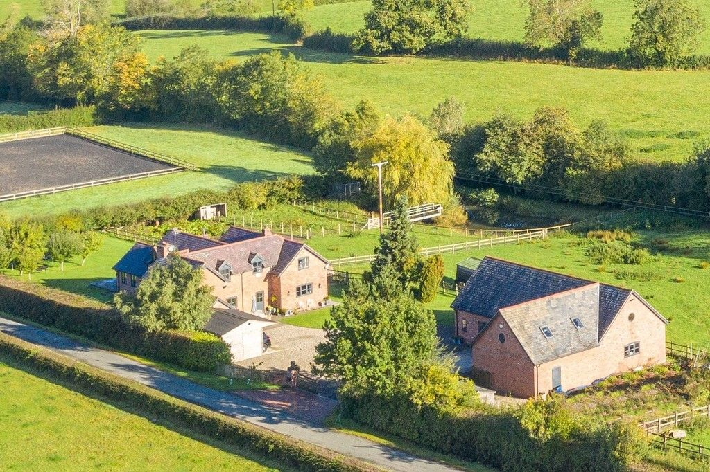 4 bed house for sale in Breaden Heath, Shropshire - Property Image 1