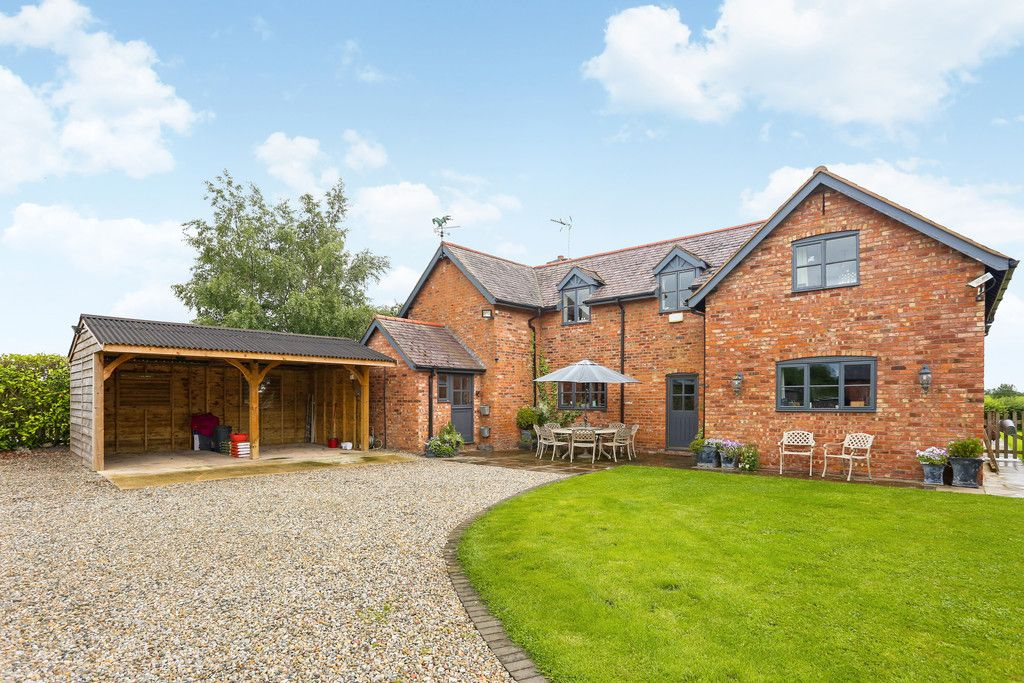 4 bed house for sale in Breaden Heath, Shropshire  - Property Image 2