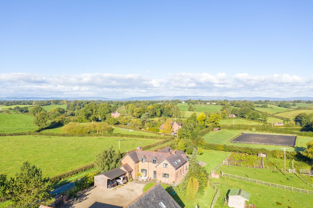 4 bed house for sale in Breaden Heath, Shropshire  - Property Image 15